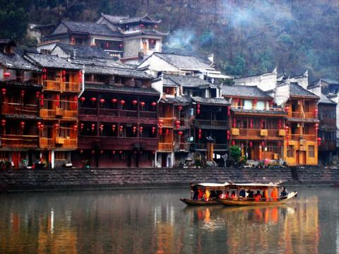 古き良き中国の古都・鳳凰県で癒やされる! 絶景ともいうべき中華ファンタジー
