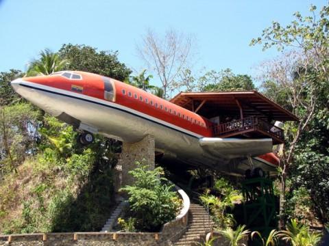 飛行機ボーイング727のホテルに泊まろう! コスタリカ「727 Fuselage Home」