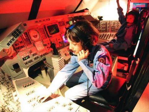 宇宙船型のホテルに泊まろう! 宇宙にいるような体験が出来るベルギー「Euro Space Center」