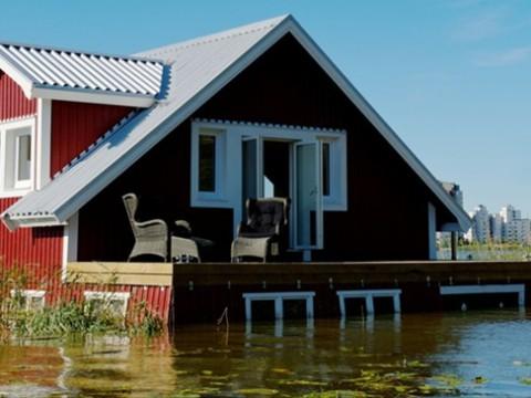 湖に水没したホテルで癒やしの空間を楽しむホテル! スウェーデン「Ooops Hotel」