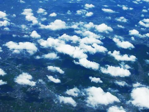 北朝鮮上空は飛行機の窓から撮影禁止! 観光客も怒られる