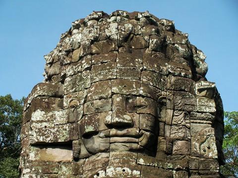 カンボジア人「アンコールワットよりその近くの遺跡のほうが神秘的だよ」