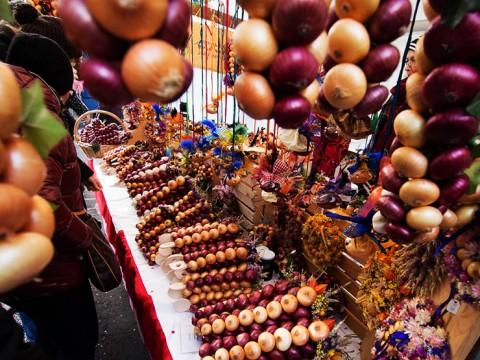 タマネギだらけのタマネギ祭り『ツィベレメリット』が奇妙だけど楽しそう