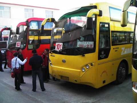 タイや中国の長距離バスは大音量で音楽を流すので「耳栓」が必須