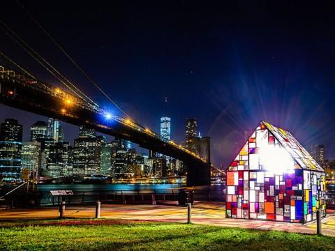 【ニューヨークの絶景】まるでファンタジー映画の幻想的な家みたい! プレキシガラスの家