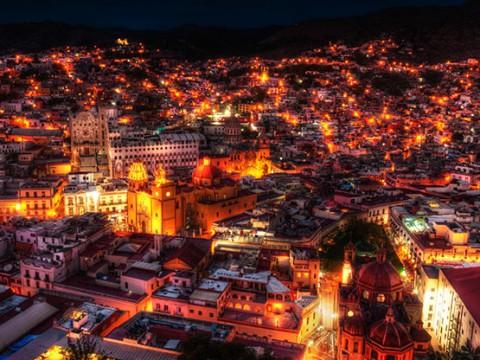あまりにも美しすぎる絶景の街グアナファト!昼間はカラフル!夜は神秘的!
