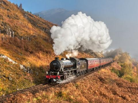 映画『ハリー・ポッター』の蒸気機関車ホグワーツ・エクスプレスは実在する / 実際に乗れます