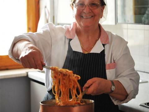 イタリアのマンマが日本にキター! 本場の家庭の味を披露する『イタリア・ニッポン マンマの料理フェスタ』