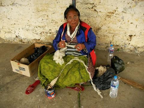 チベットからネパールに逃げた人たちはどんな生活しをてるのか? 実際に会ってきた