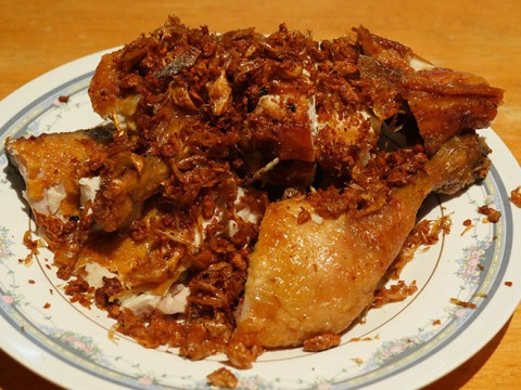 バンコクで一番美味しいと評判のフライドチキンを食べに行こう!