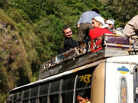 バックパッカーが恐れるインドとネパールの国境スノウリ