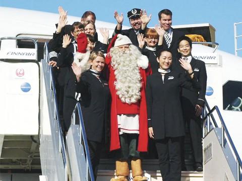フィンランドから日本にサンタクロースがやってきた! どこに行けば会えるの?