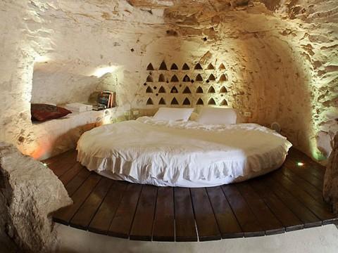 ファンタジー映画に出てきそうな岩のホテルに泊まりたい / イスラエル Columbarium