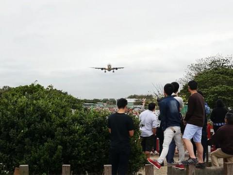 台湾人も知らない台北市のスリリングな絶景ポイント! 飛行機を真下から見られる穴場