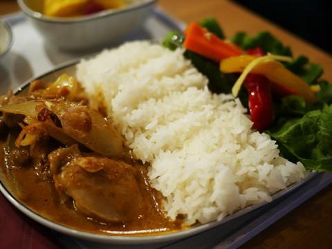 タイ国際航空のビジネスクラス機内食が地上で食べられる! 品川で開催中の『タイフェア』が話題に