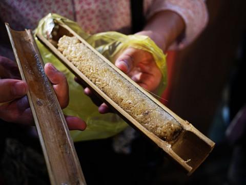 台湾先住民族の知恵が生んだ「竹筒飯」が美味しい / 屋台グルメ