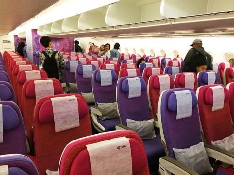 タイ航空の世界最大級旅客機A380に乗ってみた / LCCにはないフルサービスが快適