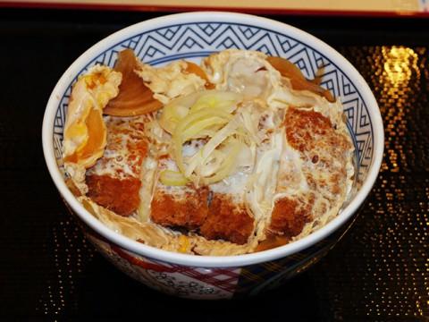 吉野家のカツ丼が美味しい! 恋しくなったらぜひとも食べておきたい日本食