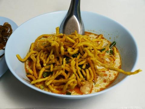 世界でもっとも美味しいカオソーイを求めて / タイ北部チェンライの名店『Pho Chai』