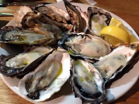冬のパリで牡蠣を食べずして何を食べる? フランス国内の美味しい牡蠣が集まる街