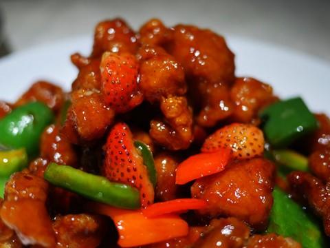 ミシュランに掲載された香港の大衆食堂で「苺の酢豚」を食べる / 彭慶記 Pang's Kitchen