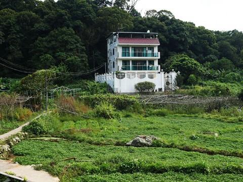 アジア最大の近未来都市・香港で静かに眠る伝説の村に行ってみた / 川龍村