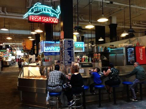 ロサンゼルスで一番オススメの日常グルメスポット「グランドセントラルマーケット」