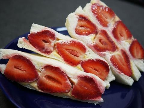 台湾で大絶賛! ローソンの苺サンドイッチが海外で絶大な人気 / 台湾人「日本に行ったら絶対に食べたい」