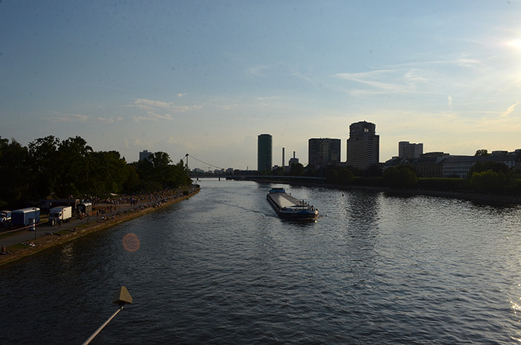 river04