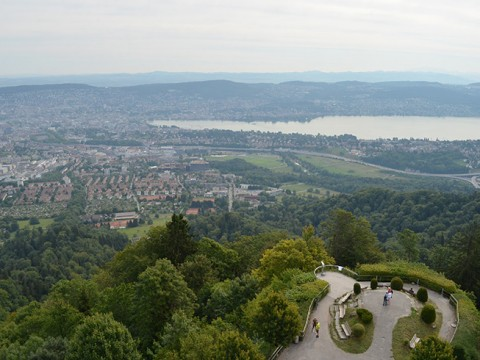 スイス旅行者は必見! 空港直近で半日ハイキングできるよ! トランジットでもOK