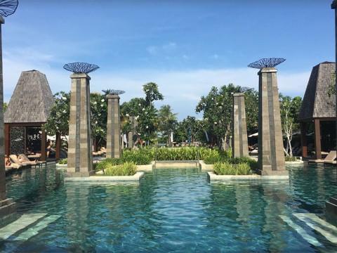 絶対に絶対に一生に一度は泊まりたいインドネシアの「アコーホテルズ」系列リゾート! バリ島だから実現できた快適ホテル
