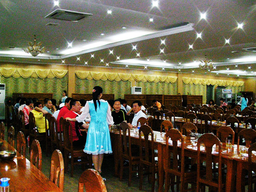 north-korean-restaurant-cambodia8