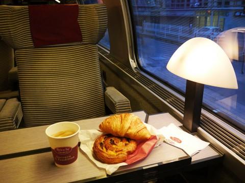 もう知ってると思うけどヨーロッパはパンがウマすぎる! 鉄道に乗る前はぜひパンを買おう
