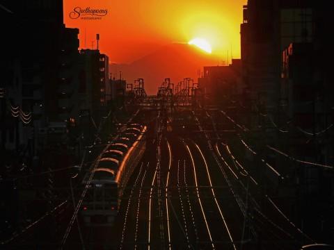 タイ人が撮影した「あまりにも幻想的すぎる富士山の写真」が大絶賛 / 多くの日本人が感動