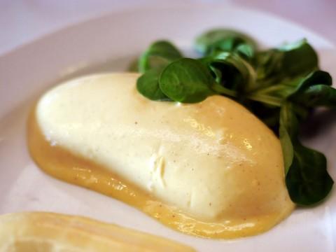 パリのレストラン「LIPP」でヘミングウェイが愛したニンニク風味ソーセージを食べよう