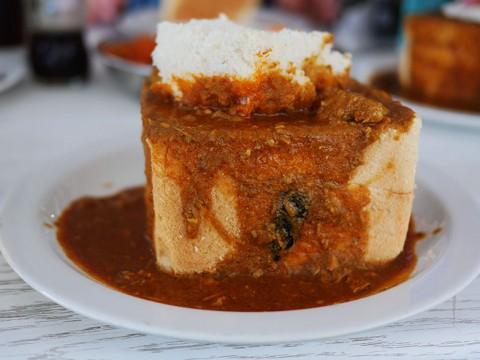 【絶品グルメ】南アフリカはカレーが美味しい国だった! 伝統ある郷土料理バニーチャウを食べに行こう
