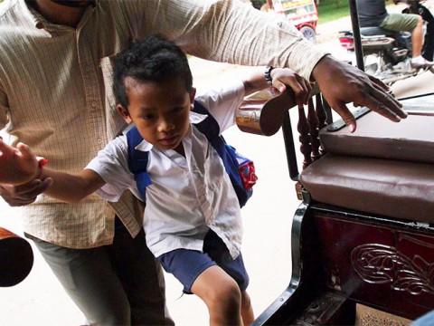 タクシーに乗ったら途中から運ちゃんの息子が乗ってきた件