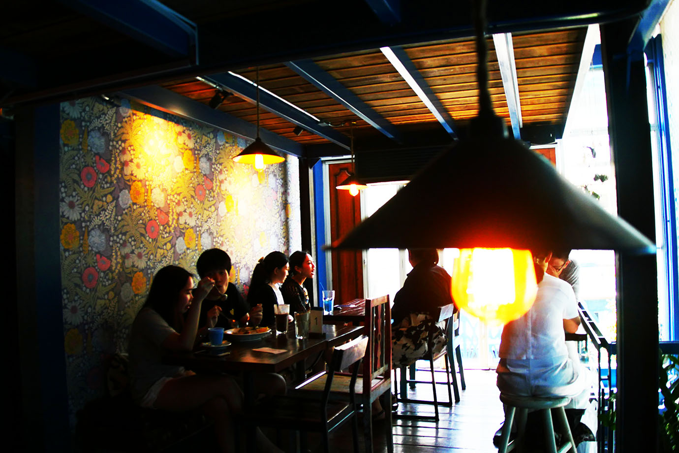 blue-whale-cafe3