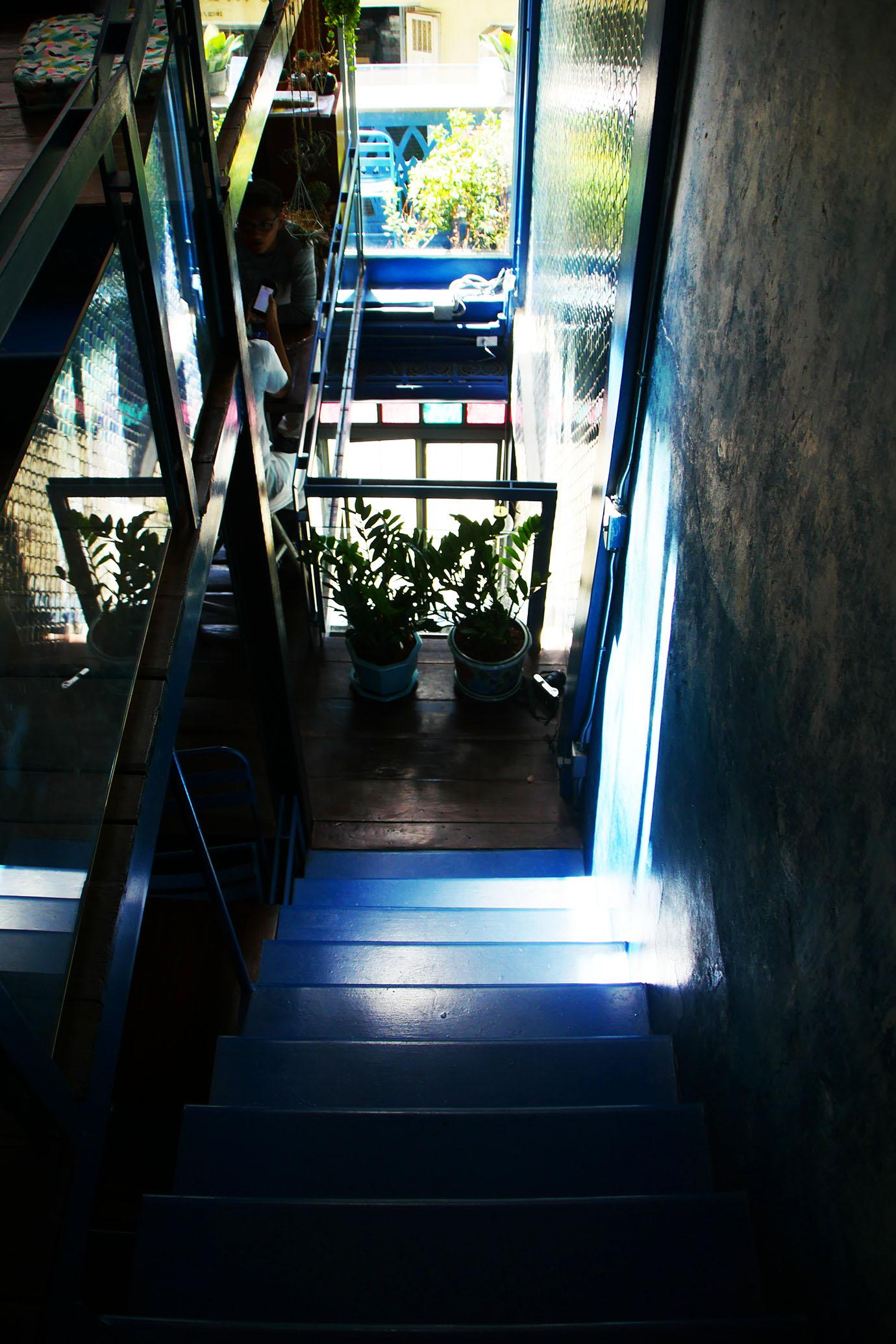 blue-whale-cafe5