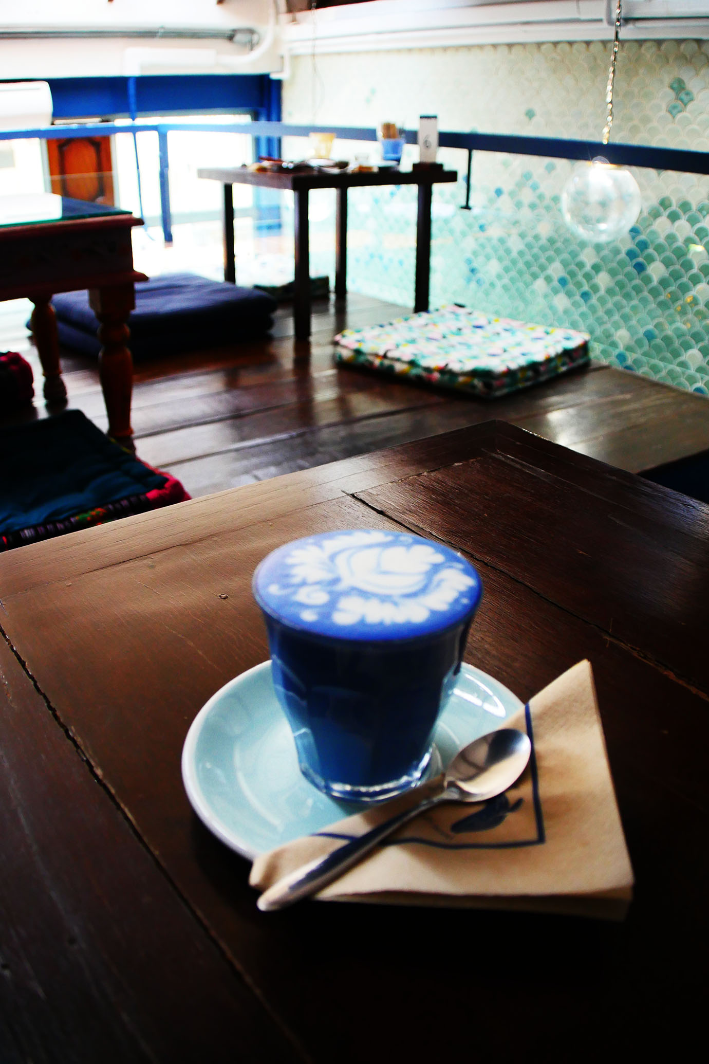 blue-whale-cafe7