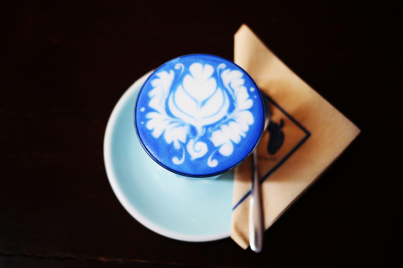 blue-whale-cafe9