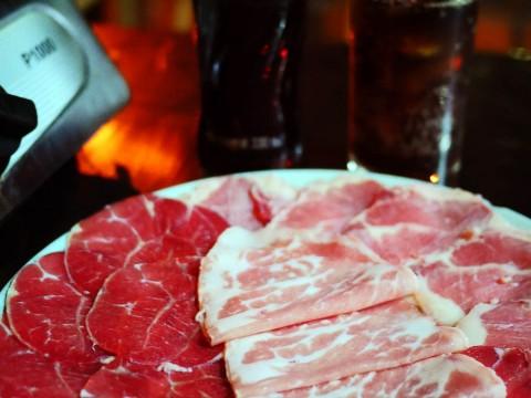 【激うま】タイの高級銘柄コクーン牛を食べ放題で堪能できる希少な個人経営焼肉店「ラーンチムチュムクルーウィラィ」