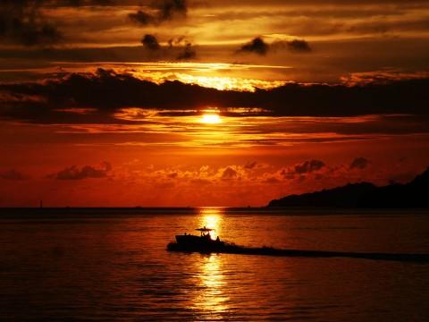 【情緒的な絶景】あまりにも美しすぎるコタキナバルの夕焼け海 / 心の琴線に触れる風景