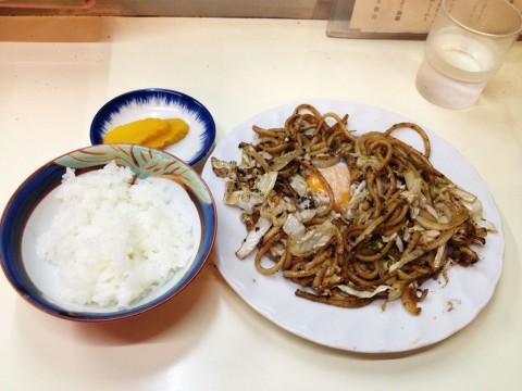 大阪で焼きそば(焼うどん)とライスを一緒に食べるのは常識! みんなやってないの?