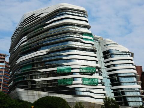 建築家ザハ・ハディッドがデザインした香港理工大学が凄すぎる件 / 人工物の絶景
