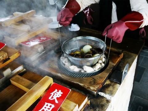 【地熱グルメ】激しく熱い地熱で調理する魚介料理が絶品すぎる件 / 鉄輪温泉