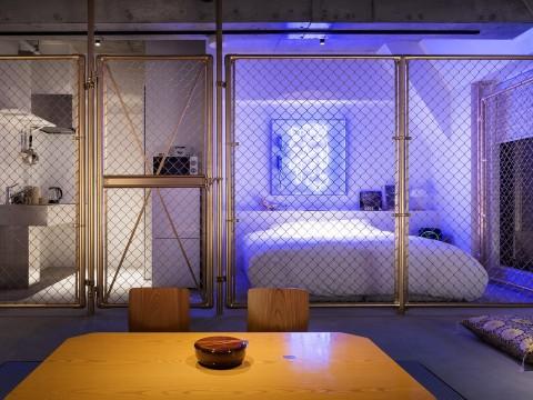 まるで舞台かミュージアム!? 泊まれるアートホテル「BnA STUDIO Akihabara」秋葉原にオープン
