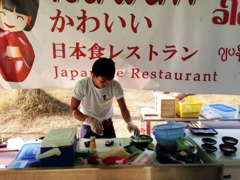 【グルメ】ミャンマーでも美味しい日本食が食べられます / たこ焼きと味噌汁をコーラとともに