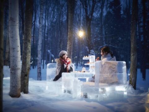 【話題】氷のティースタンドに並ぶバレンタイン・スイーツ! 雪降る森で楽しむアフタヌーンティーが素敵