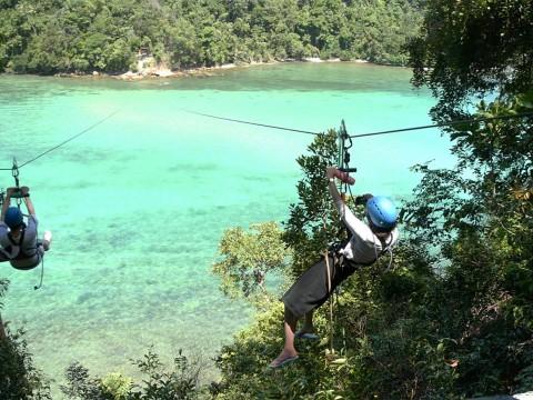 【大冒険】マレーシアのボルネオ島でコタキナバルの海の上を飛んでみた結果 / 怖いけど気持ちいい!